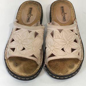 Minnetonka Sandals Slides Leather Laser Floral